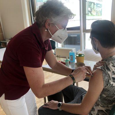 COVID-19 Impfaktion bei MÖHRINGER